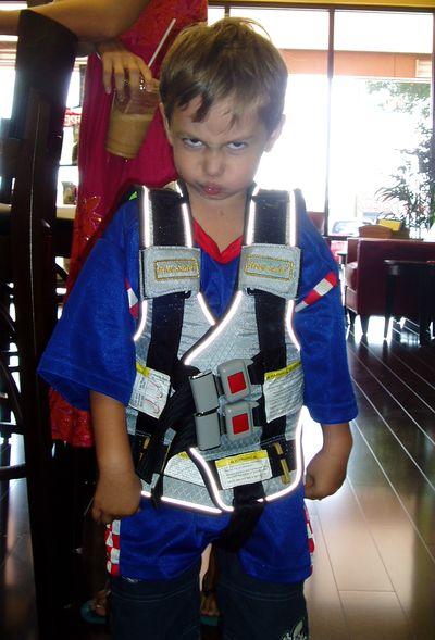 Travel vest for children